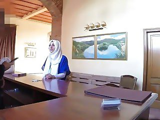 Slutty Arab babe takes big schlong in hotel room