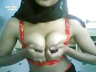 Hot amateur arab girl strip and dance on webcam