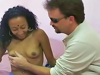 Pretty bollywood slut sucking one strong cock