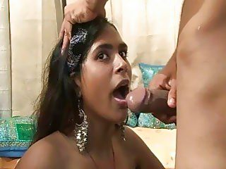 Indian princess Naina gets fucked 1st time on cam