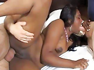Indian slut gets drilled hard on the bed