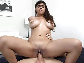 Arab slut gets access to a dark cock